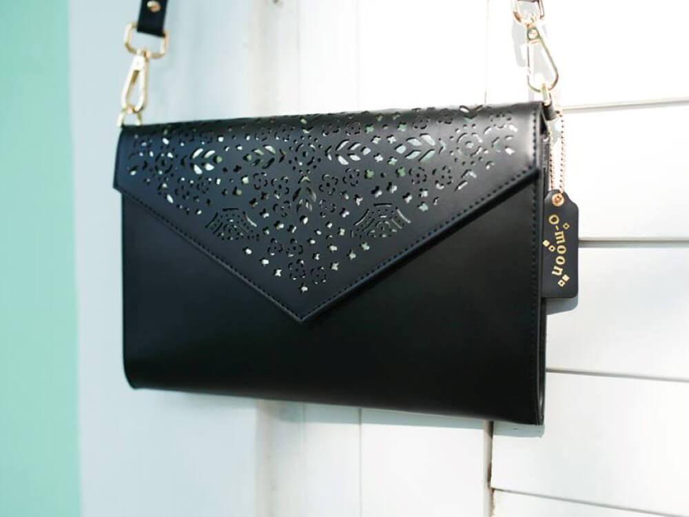 Omoon Envelop clutch-Black (Custom)